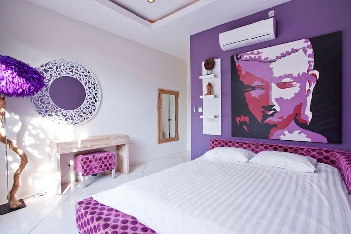 Спальня центральная / Middle bedroom