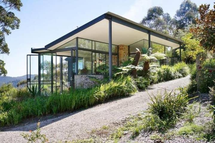 Australian bush paradise getaway
