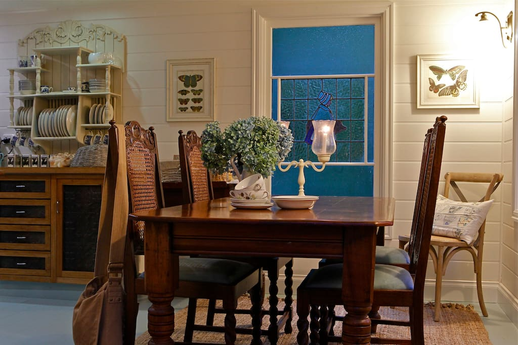 A beautiful kitchen and dining area