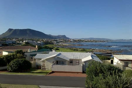 Break away to Gansbaai - Van Dyks Bay - Huoneisto