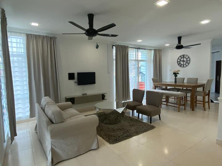Casa Hijau.. Exclusive Homestay in Kota Bharu
