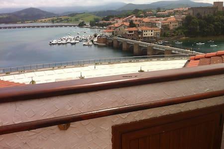 Atico con impresionantes vistas - San Vicente de la Barquera