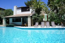 Belle villa plein sud 220m2 , piscine 17m long env
