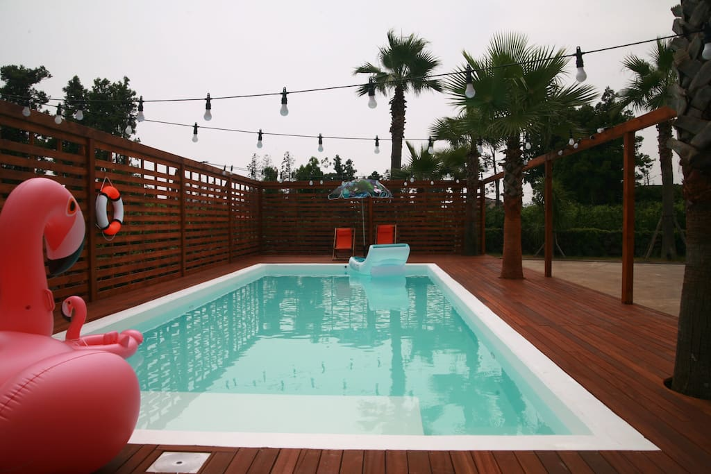 Outdoor swimming pool opened July til October