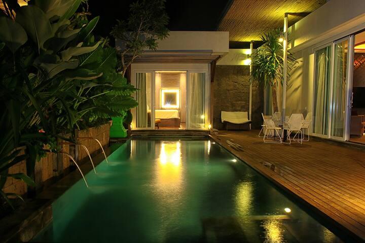 Modern, luxury 3BR villa in heart of Seminyak