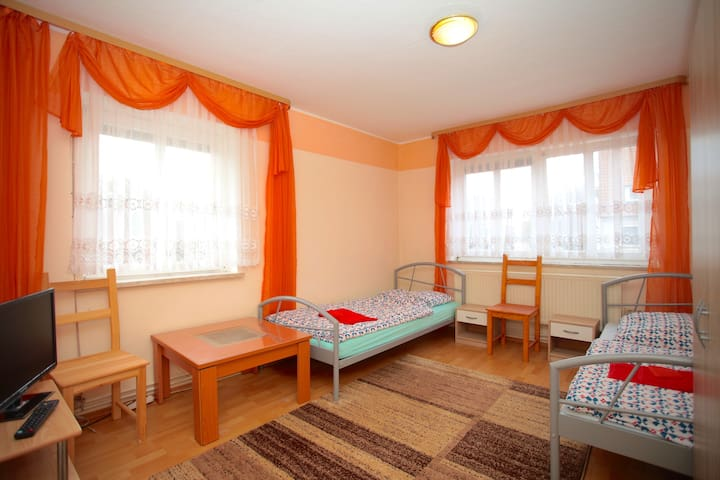 ID 5637 | 5-room-apartment wifi - Hannover - Apartment
