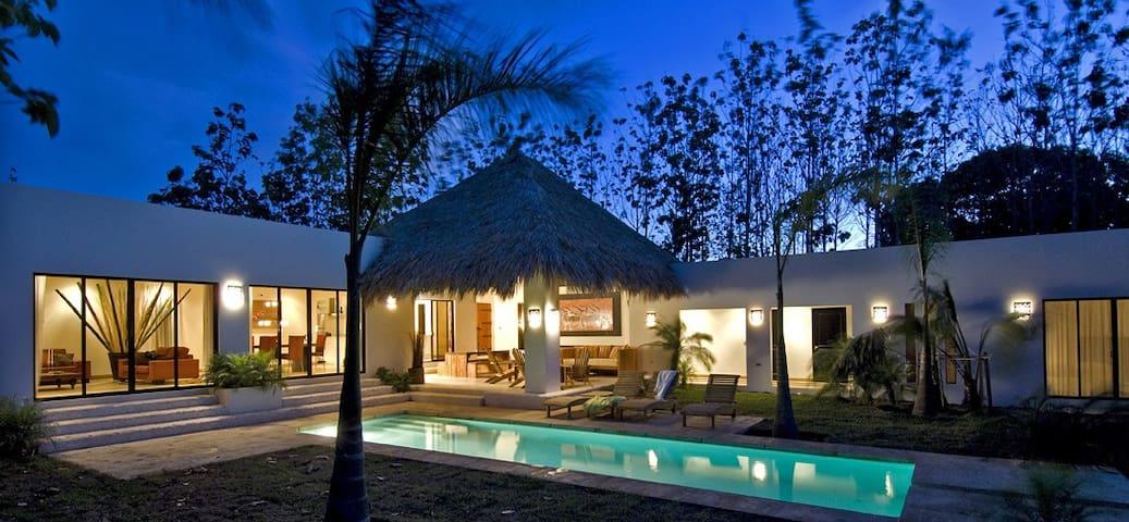 Modern Villa, Tamarindo-Avellanas - タマリンド - 別荘