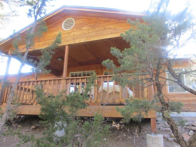 Mountain Hideaway - Cedar Crest - Casa