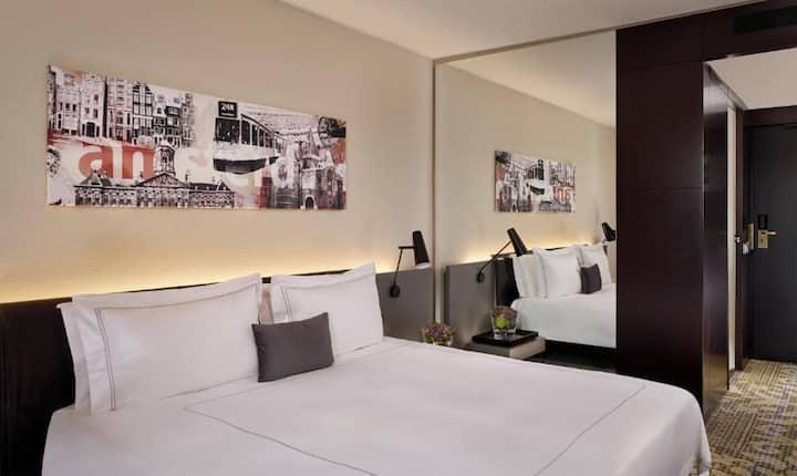 En-Suite Double Bed At Amsterdam