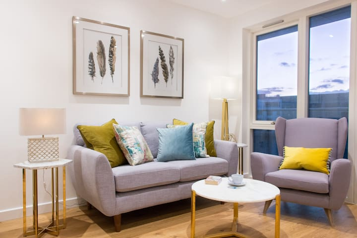 Great Choice 5* Luxury Apt in Central Canary wharf