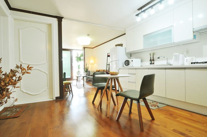 2-Room Spacious Apt, Great Location - Guro-gu - Leilighet