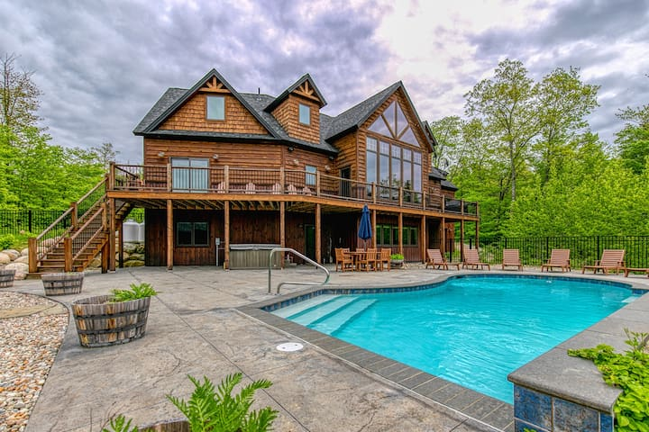 Stunning mountain view estate w/private pool/hot tub- near slopes
