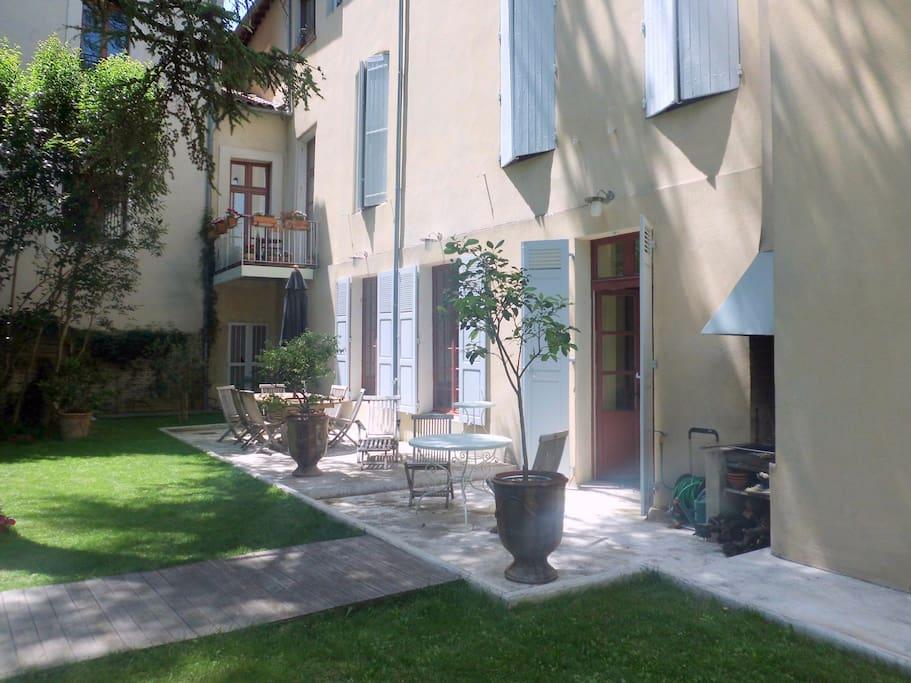 Centre historique avignon appartements louer avignon for Linge de maison avignon