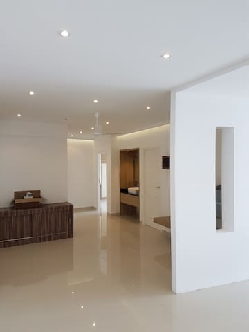 2 Bedroom Large Apartment very close to Infopark