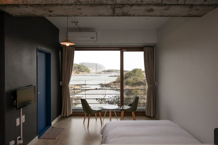 Romantic view with ojori lake(#201) - Seongsan-eup, Seogwipo-si - House