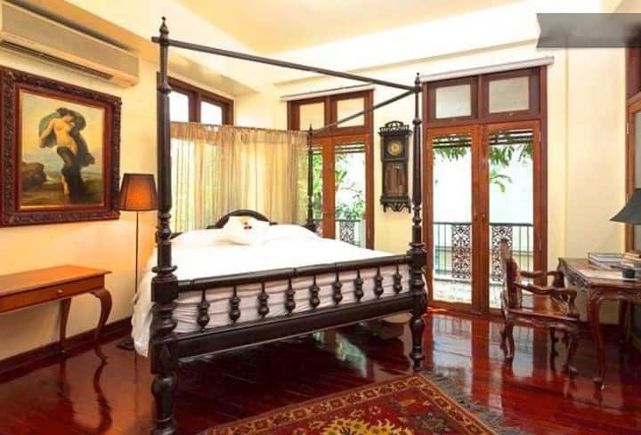 2 Floors Antique Design Home for Group/Family,Siam