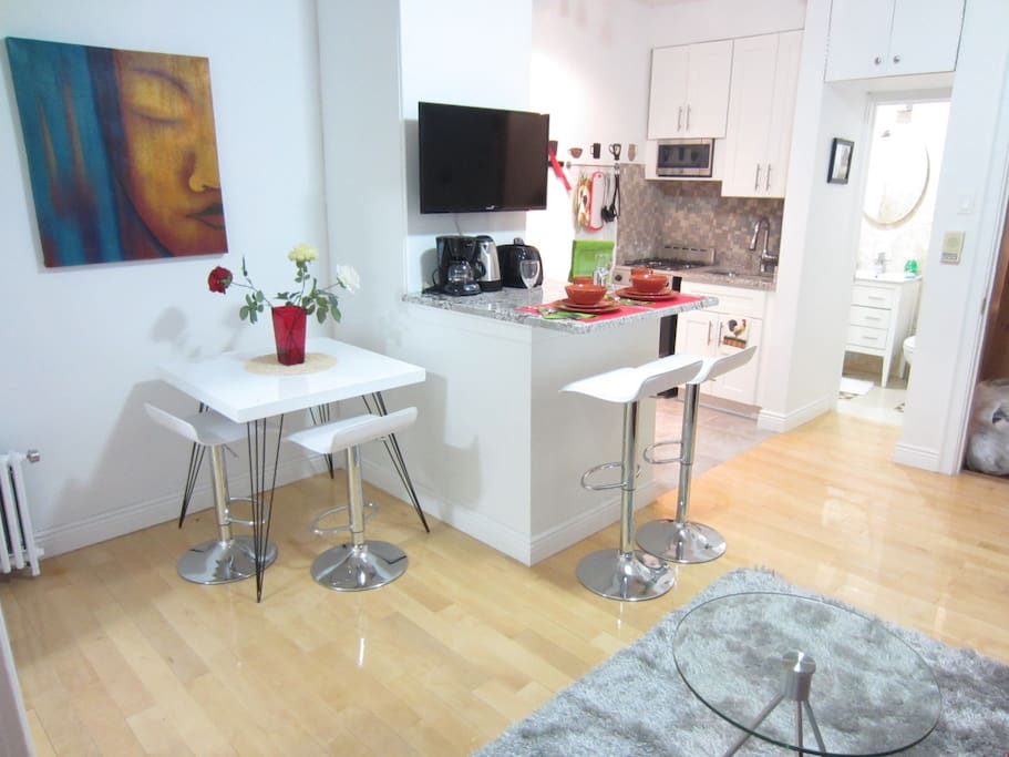 2br Quiet New Renovation Time Square Affordable