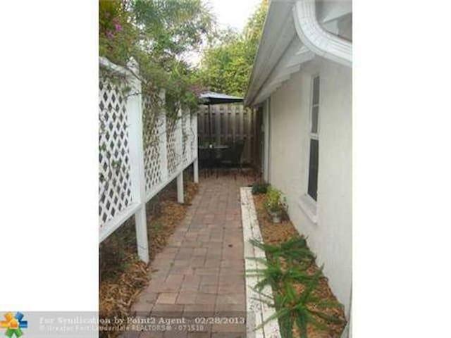 Cozy Little Cottage - Fort Pierce - Appartement