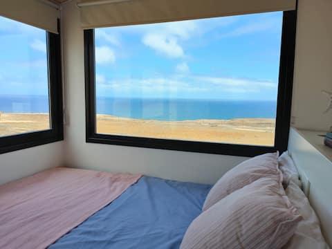 Bortenfor alt, utsikt over havet - Tiny House