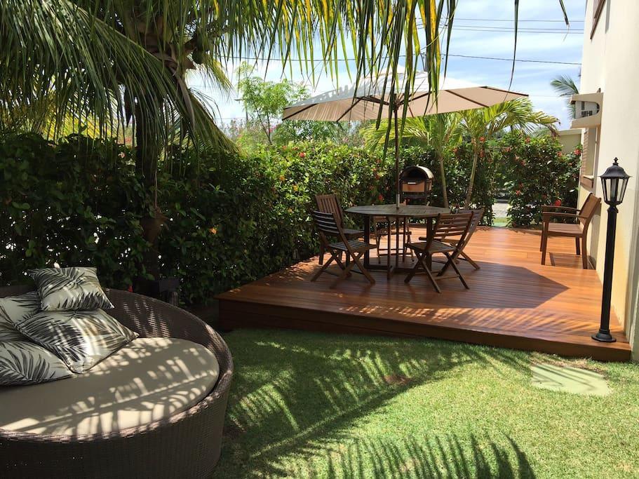 Jardim e Deck Goumert