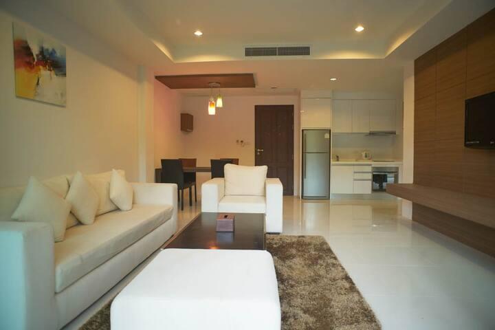 78 sqm 1-bedroom suite at Surin/Bangtao