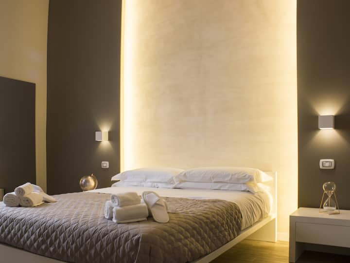 LA BANCHINA Holiday Rooms          * QUEEN SUITE *