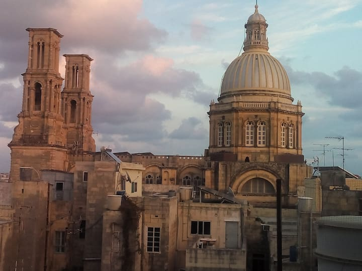 Solo Room, Town House, Amazing View of Valletta