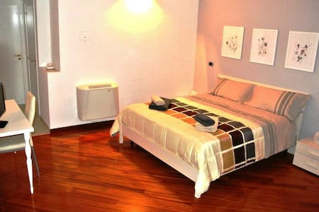 La Cattedrale Rooms (max 3 beds) - Ruvo