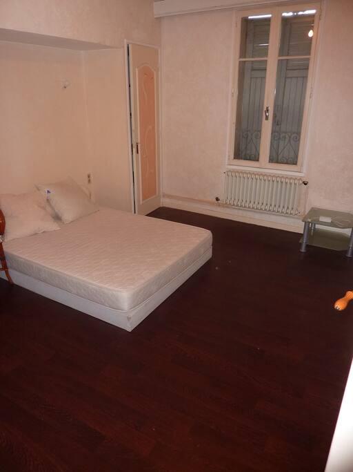 2 chambres indépendantes équipées d'un lit double