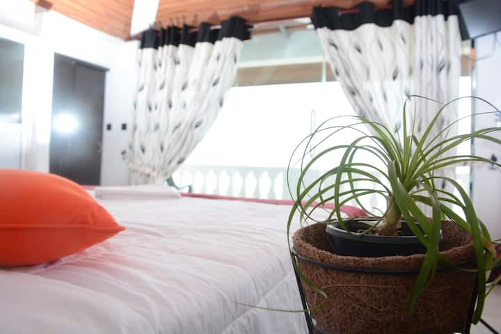 Deluxe Double Room with Lagoon / Sea View