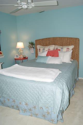 Chambers Bay Bed & Breakfast Beach - University Place - Bed & Breakfast