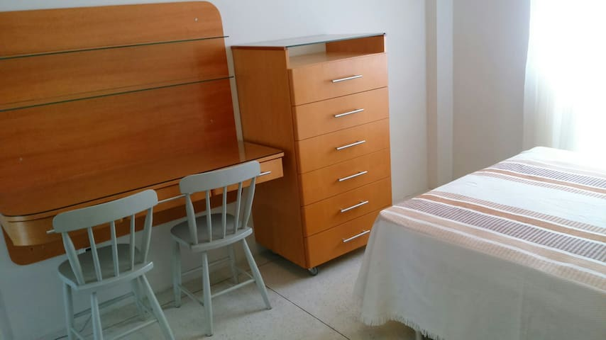 Kitnet mobiliano e bem localizado - Campinas
