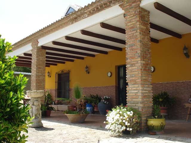 Casa Magel Bed and Breakfast - Valle de Abdalajís - Bed & Breakfast