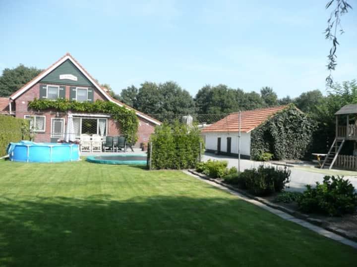 Vakantieboerderij Limburg 8-10 pers