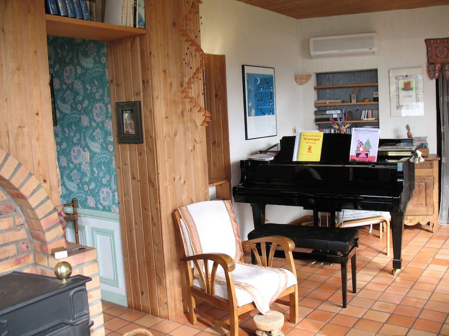 Le piano dans le salon