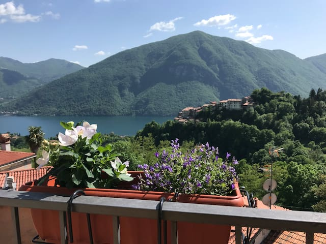 Breathtaking natural view on Lake Lugano