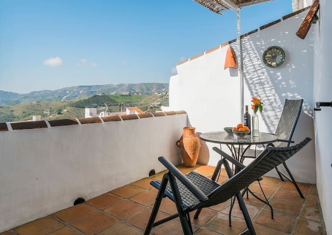 Charming house with amazing views - Frigiliana
