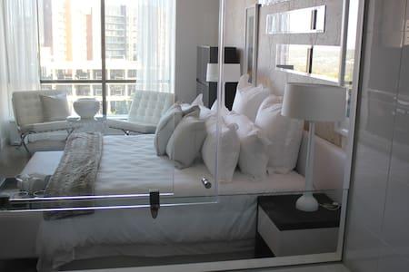 Executive apartment in Sandton Skye - Sandton - Apartemen