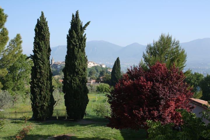 Panoramica calda accoglienza umbra - เทอร์นิ - ที่พักพร้อมอาหารเช้า