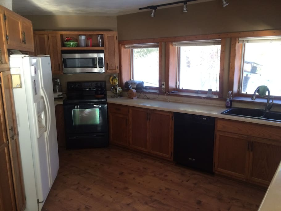 Large kitchen. Lots of counter space!