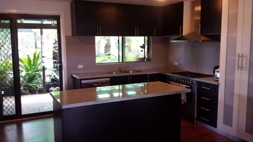 Modern house in Para Hills - Para Hills