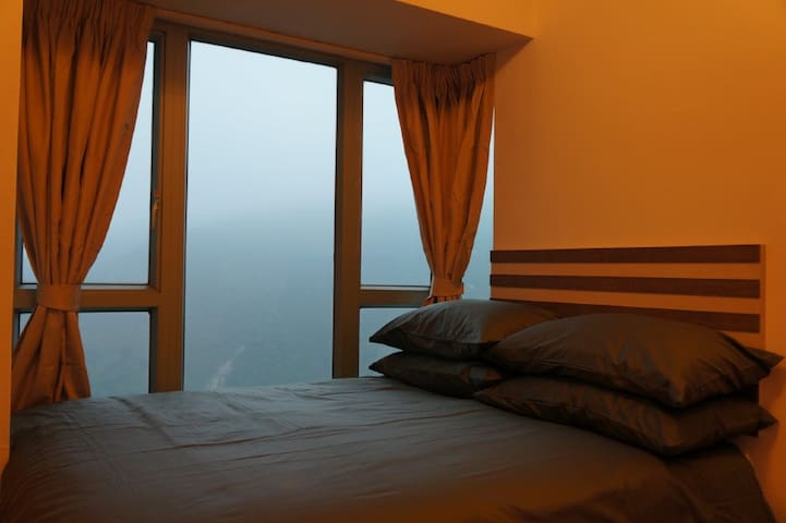 Master bedroom,Cable car,Expo,Airport,Disney Land