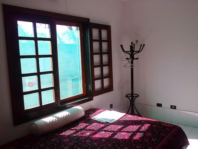 quarto janela telada