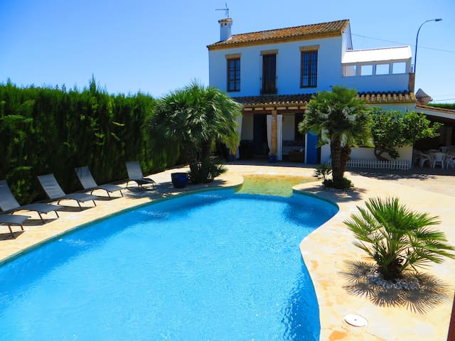 Charming house with pool close to beach