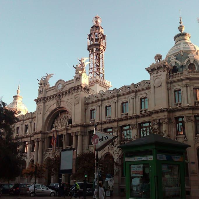 5 minutes to Post office (Correos y Pza Ayuntamiento) and ayuntamiento sq.