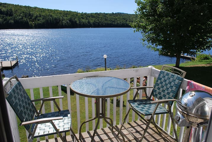 Waterfront Condo close to Skiing - Woodstock - Daire