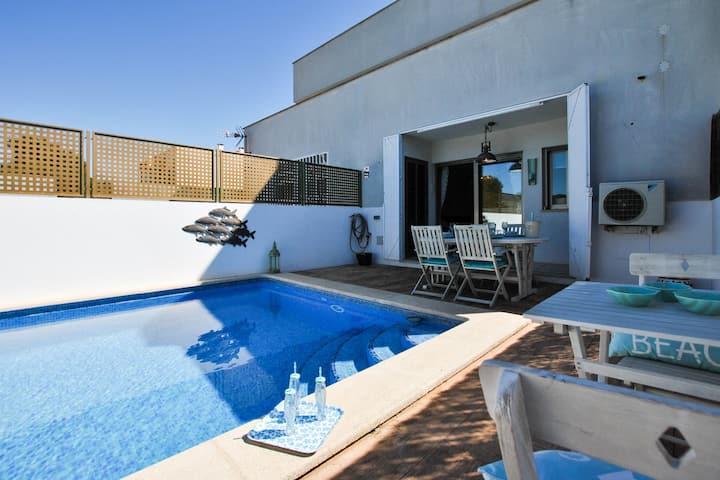 Apartamento moderno en Cala Pi con piscina