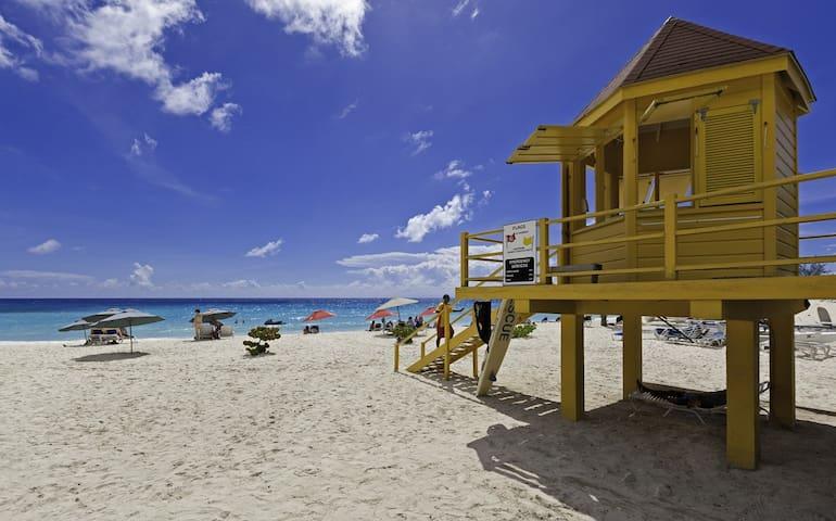 Sapphire Beach 509 - 3 Bedroom - Beachfront