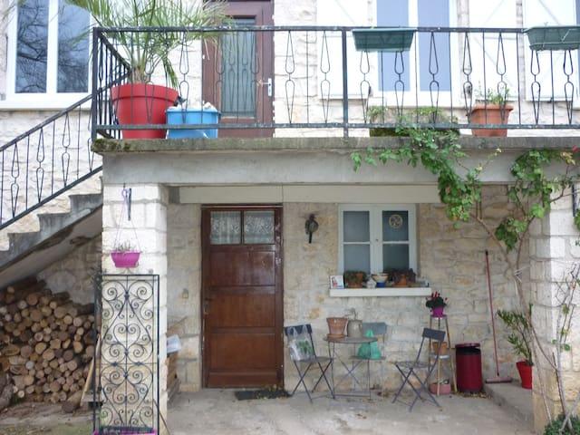 A deux pas du chateau de Castelnau - Prudhomat - Apartamento