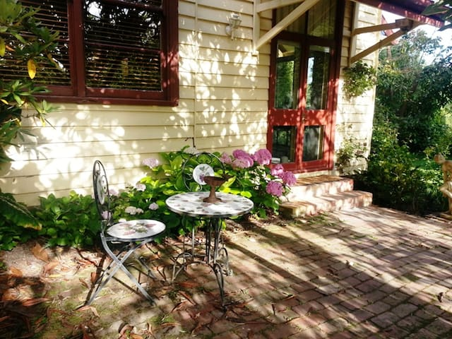 Brooklyn Studio B&B  - Badger Creek
